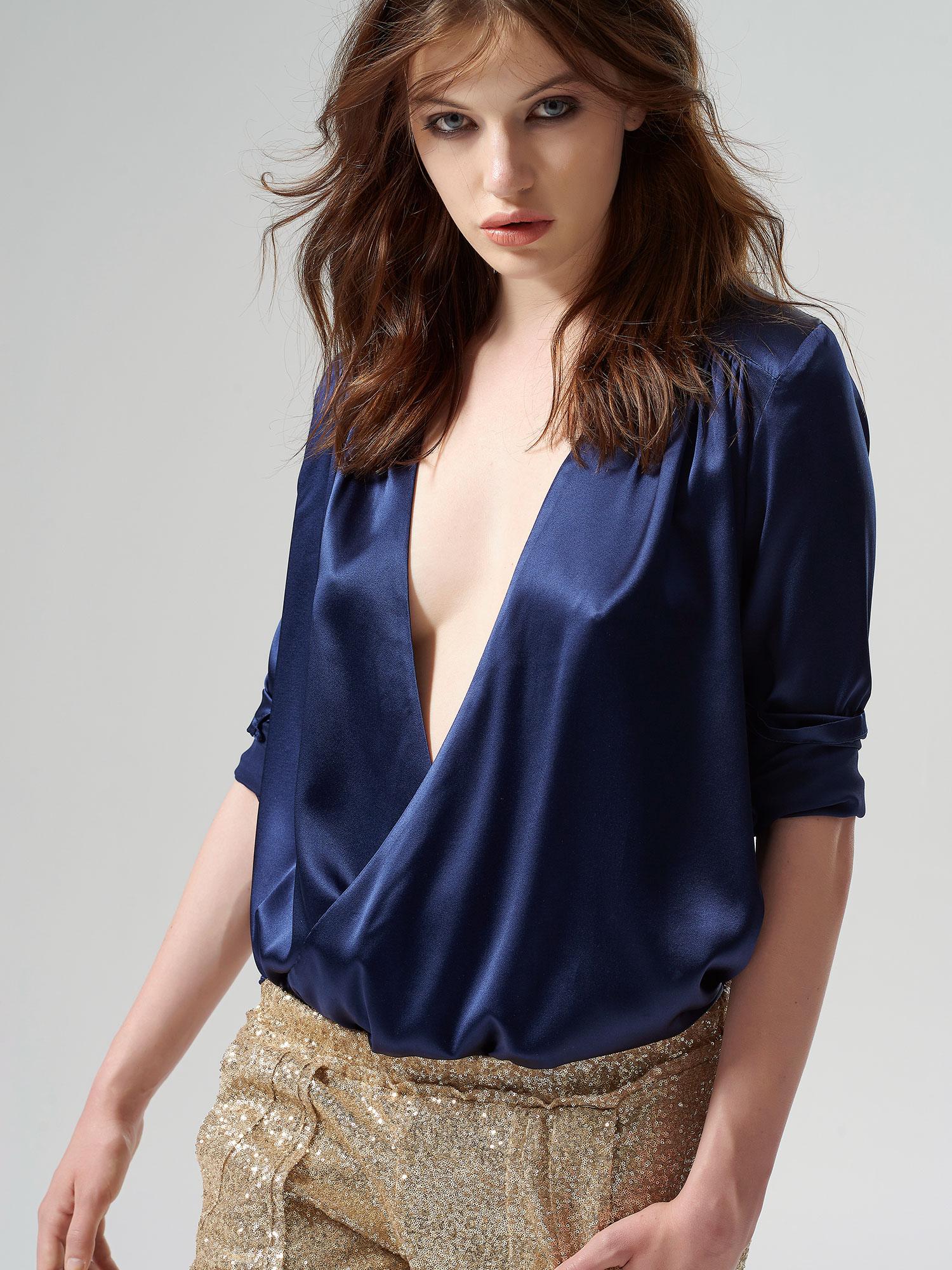 Manuelle Dark Blue